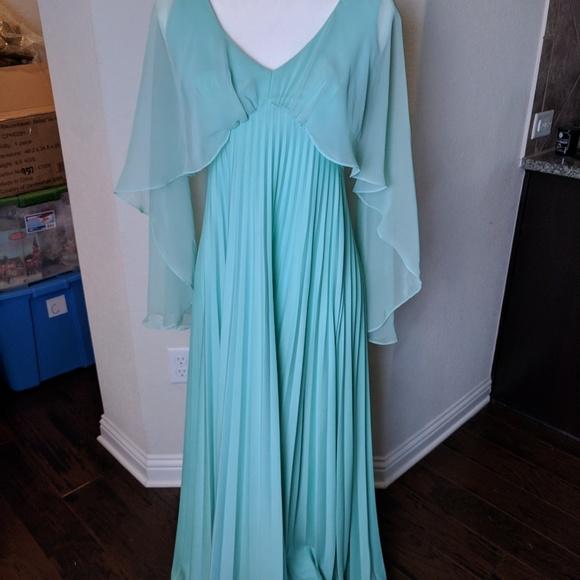 5fbb8cb3dcf Vintage 70s cape maxi dress sz S goddess. M 5b7f20644ab6333c8257b96c